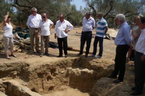 Επίσκεψη Τατούλη στον αρχαιολογικό χώρο Ξηροκαμπίου Λακωνίας